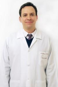 Dr. Juliano Cesar de Barros - Dermatologista